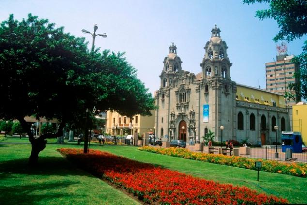 Parque Kennedy Miraflores Lima